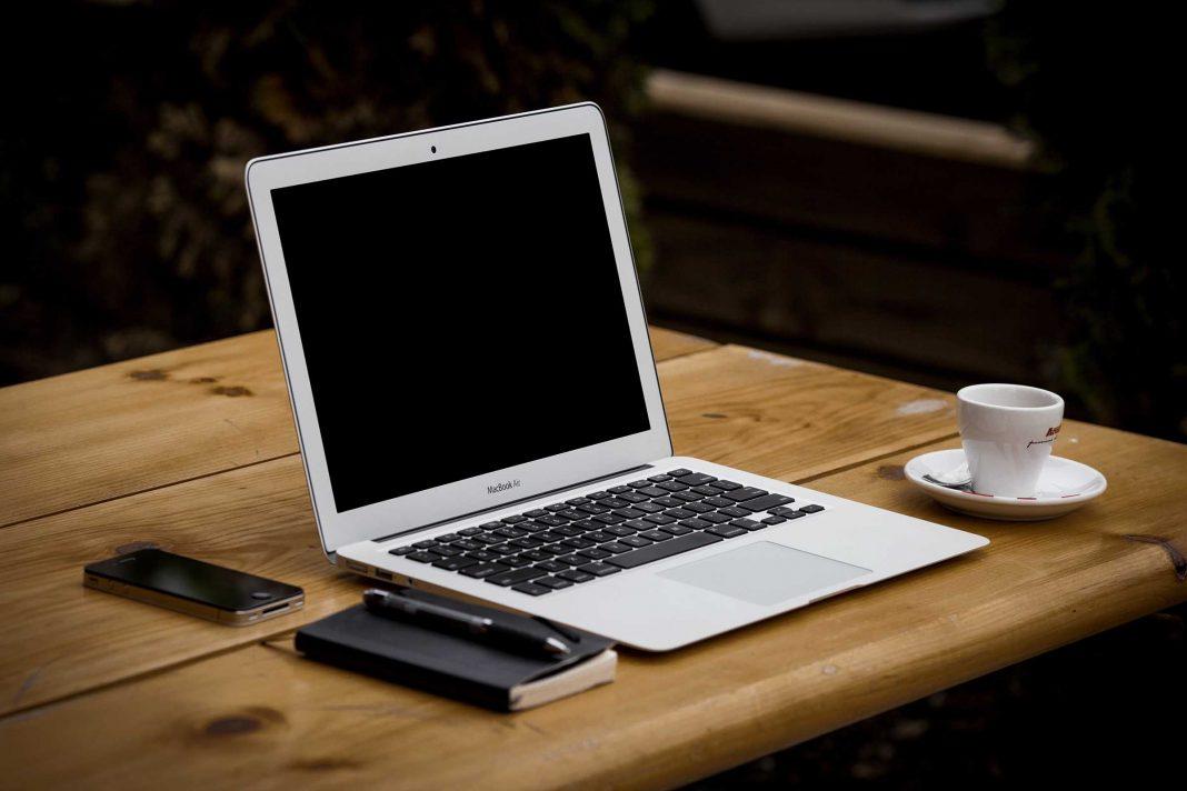Laptop Tastatur & Co. reinigen: So gelingt der Frühjahrsputz für Ihr Notebook!
