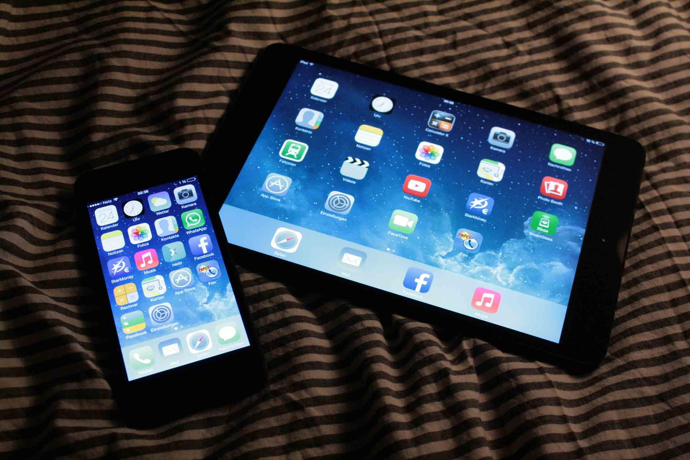 Blaues Licht bei Smartphone und Co.: Welche Auswirkungen hat es?
