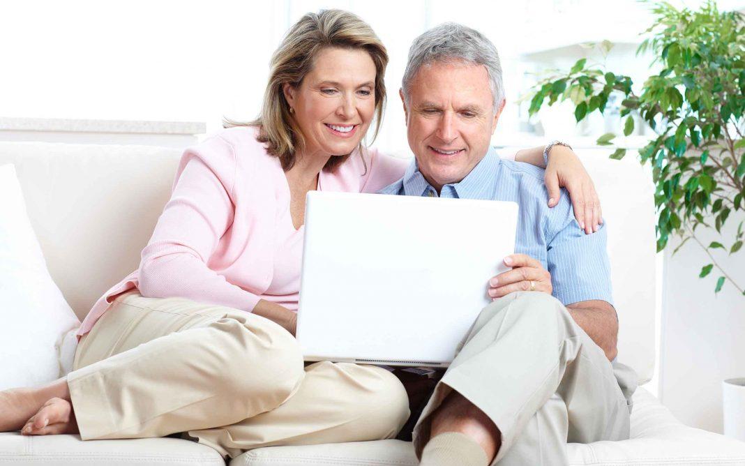 PC Wissen für Senioren: So macht der Umgang mit dem Internet Spaß
